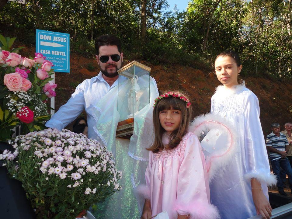Imagem Peregrina e Milagrosa da Rainha da Paz de Medjugorje Visita o Espírito Santo.